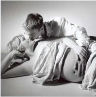 fg_bauch_liegend_beide_kuss.jpg