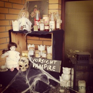halloween diy decoration trick or treat dolls vampire apothecary jars