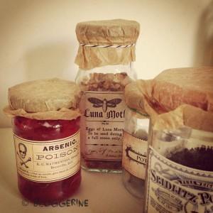 diy halloween decoration bottles mason jars with free labels