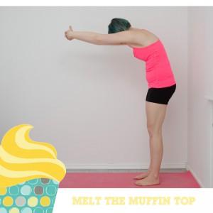 Melt the muffin top, Kampf dem Bauchspeck, Aufwärmen, warm up, Fitness, functinal fitness, Bauch Beine Po, BBP, Fitness zuhaus, workout, Rücken dehnen