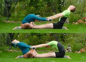 Partneryoga, Acroyoga, Yoga, yoga mit Partner, Aufwärmen, warm up, dehnen, stretchen, Übungen, Aufwärmübungen, Yoga, Schmetterling, butterfly pose, paschimottanasana, forward fold, sitzende Vorwärtsbeuge