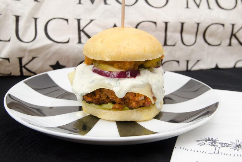 vegetarischer burger don t panic. Black Bedroom Furniture Sets. Home Design Ideas