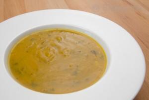 Vegetarische Suppe, vegetarisch, kochen, Curry, Butternut, Kürbissuppe, einfach kochen, Rezept