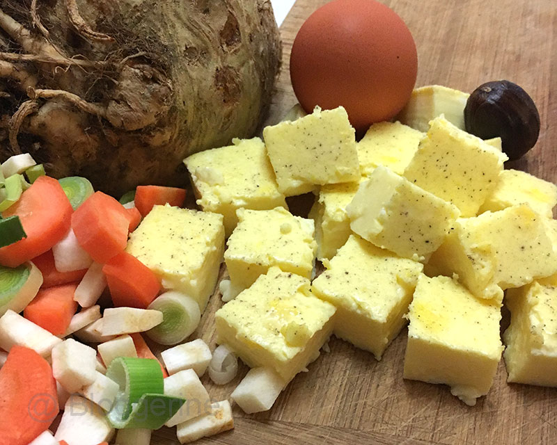 Eierstich, Rezept, Suppeneinlage, Nudelsuppe, Hochzeitssuppe, vegetarisch, vegetarisch kochen, Ei, Gemüse, Muskat