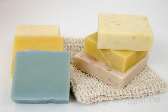 zerowaste, zero waste, Shampoo, duschgel, duschen, Haare waschen, wenig Abfall, kein Plastik, Haarwaschseife, Seifenigel