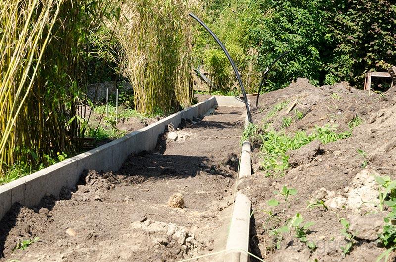 Gemüsegarten, Garten, Gartenweg, Rasenkante, Rasenbord, Rhizomsperre, Gemüsebeet, Beeteinfassung, selber machen, diy