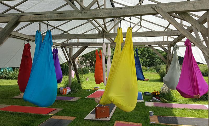Aerialyoga, Yoga, Yoga im Tuch, Tuchyoga, Yogaworkshop, Yogaurlaub, Yogawochenende, Entspannungswochenende, dana-Aerialyoga