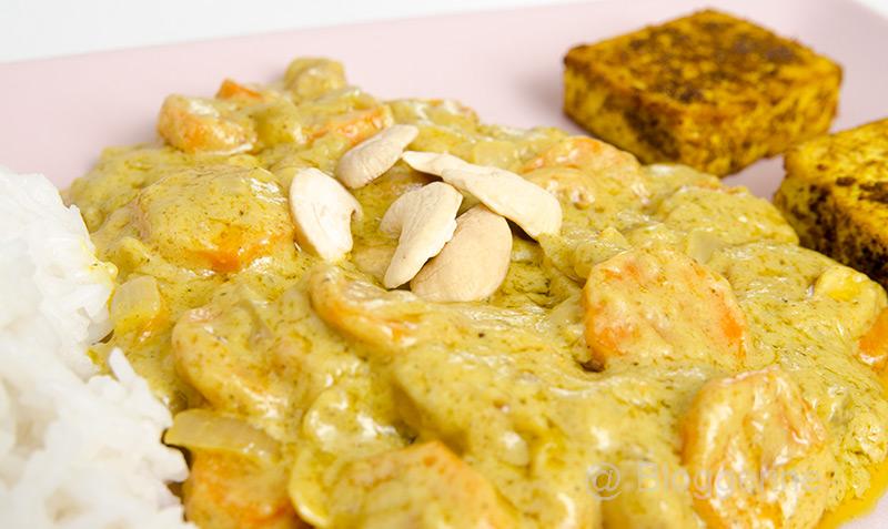 indisch, indisch kochen, Curry, Cashew, Cashewcurry, Gemüsecurry, Möhre, Zwiebel, Tofu, Nuss, kochen, vegetarisch, Vegetarier, Rezept