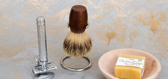 Zerowaste, zero waste, wenig Müll, Plastik vermeiden, Nachhaltigkeit, rasieren, Bartpflege, Mann, Frau, Badezimmer, Rasierhobel, Rasierseife, Rasierpinsel, Seifenschale, Haarentfernung, Rasur, Körperpflege