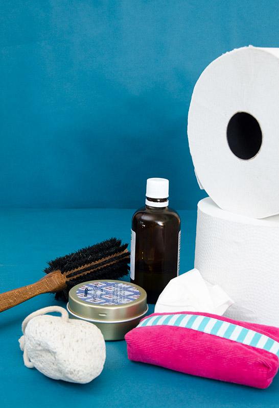 Zerowaste, zero waste, wenig Müll, Müllfrei, nachhaltig leben, Nachhaltigkeit, Badezimmer, WC, Duschen, waschen, Haare, Seife, plastikfrei, ohne Plastik, Toilettenpapier, Taschentücher, Haarbürste
