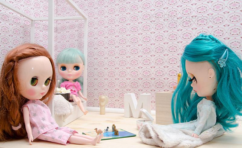 MargoTravellingBlythe, Blythe, diy, Margo, Karolin Felix, Puppe, doll, traveling blythe, Puppenhaus, Puppenmöbel, Puppenbett, Puppenkleidung