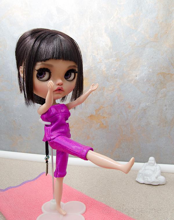 MargoTravellingBlythe, Blythe, diy, Margo, Karolin Felix, Puppe, doll, traveling blythe, Fotografie, Puppenfotografie, Yoga