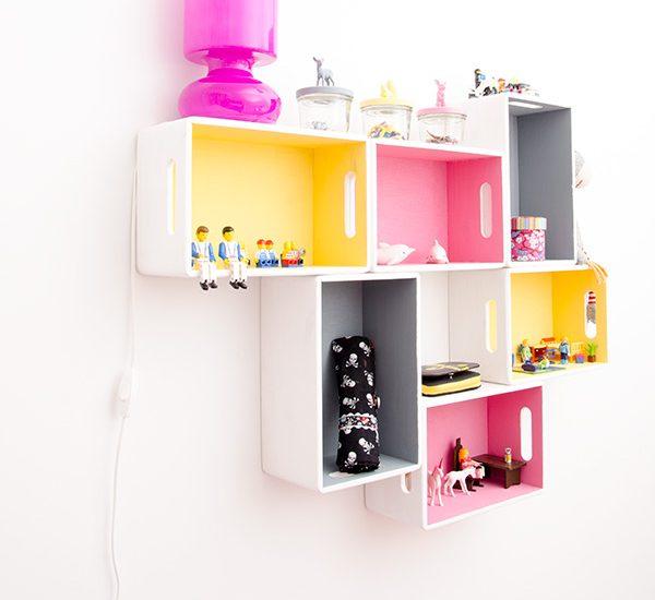 diy, selber machen, Regal, Wandregal, Kinderzimmer, Mädchen, pink, grau, gelb, Holzkasten, Holzbox