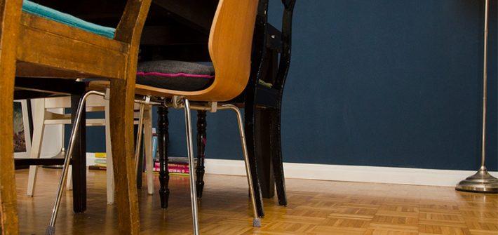 Stuhl, Stoppersocke, Stuhlsocke, Stuhlstrumpf, Fussbodenschutz, Kratzer, häkeln, diy, selber machen, selbst gemacht, Parkettboden, Parkett schützen