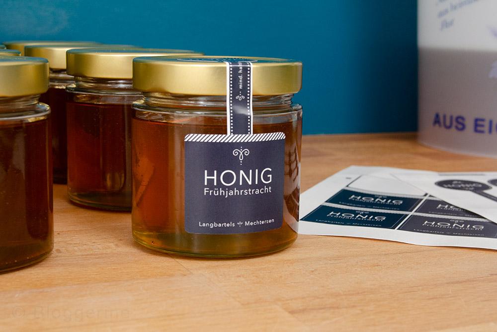 Bienen, Honigernte, Honig abfüllen, Imker, Hobbyimker, Frühjahrstracht, Bienenhaltung