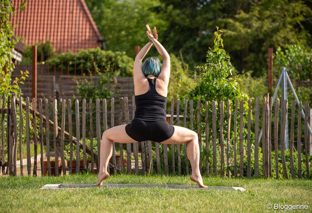 Yogapose Göttin Kali Pose