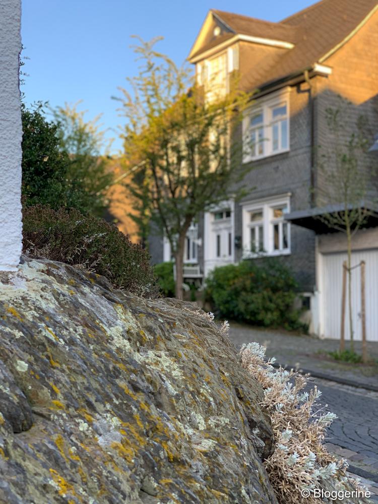 Haus auf Felsen