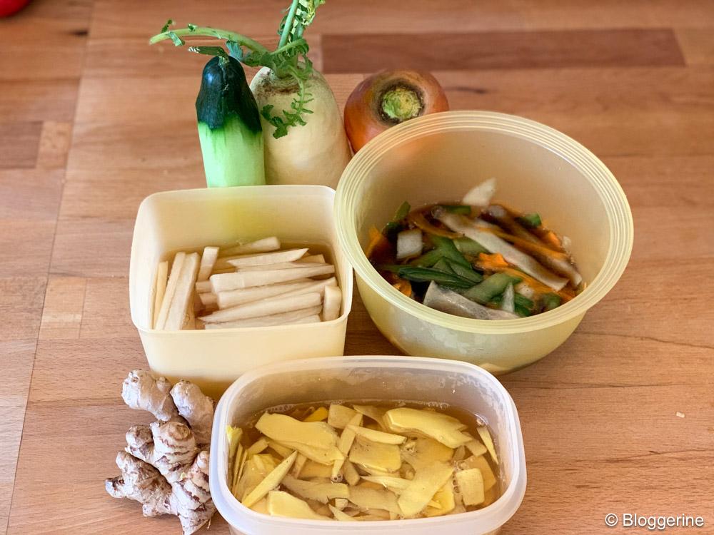 Eingelegter Rettich, Gemüse und Ingwer